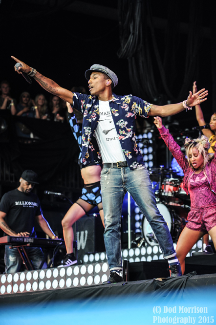 pharrell williams @ glastonbury 2015